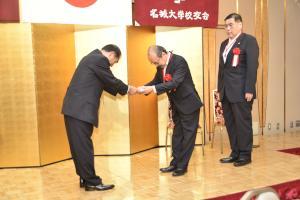 0602記念品贈呈1.JPG