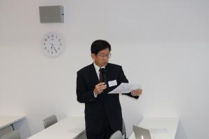 平松副学長あいさつ.JPGのサムネイル画像